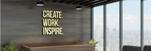 איזה שלט מתאים לעסק שלך? שלטים בחריטה במגוון חומרים ועיצובים מיוחדים